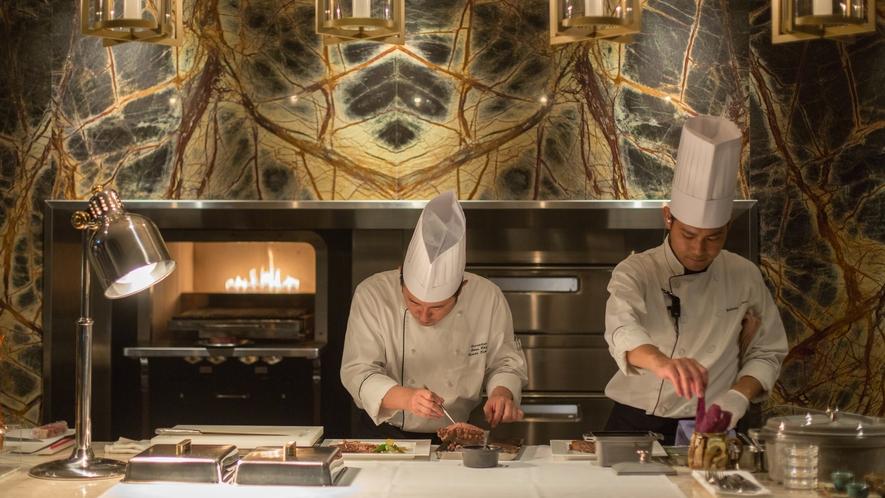 【MILANO】お客様からも見えるオープンキッチンで、シェフが一品一品丁寧に仕上げます