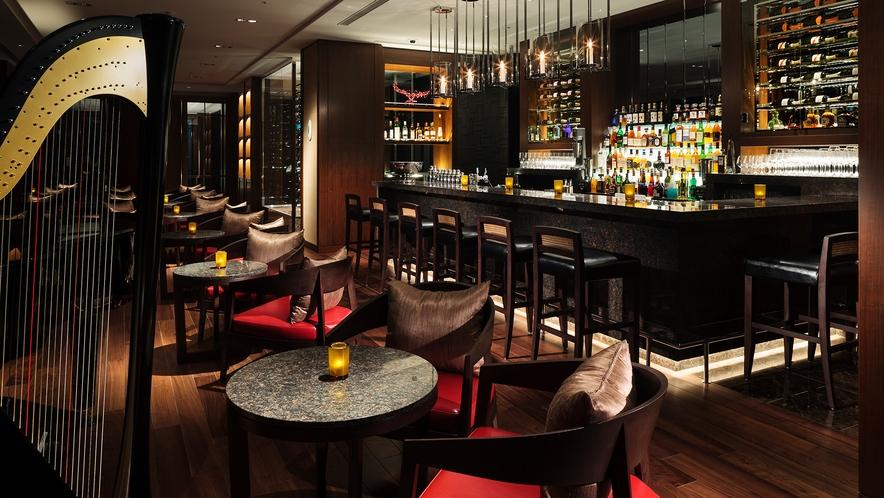 【the bar】落ち着きのある空間で、素敵な一日の最後を締め括る上質な夜を演出します○