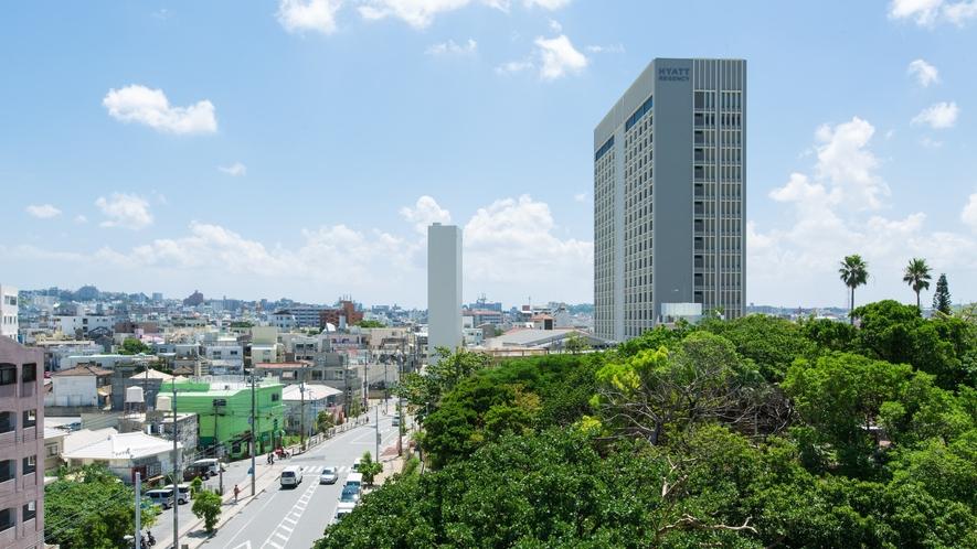 【外観】那覇の街のランドマークホテルです