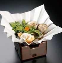 紙鍋 (白魚卵とじ・蛤・芹・若布・針柚子)