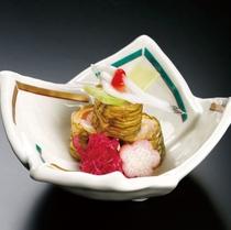 鯛磯の雪巻 季節の酢の物