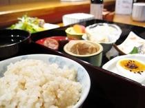 和朝食(日替わり)