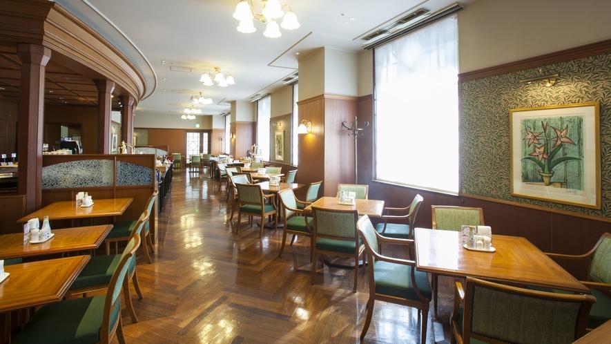 1階レストラン「ラ・セーラ」
