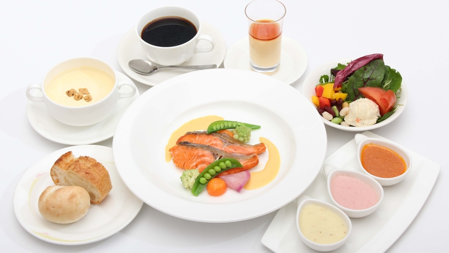 1階レストラン「ラ・セーラ」週替わりランチ(魚)