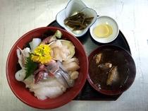 大漁や特製『海鮮丼』
