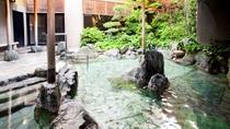 讃水館1階大浴場 露天風呂(昼)