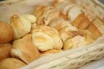 朝食のバイキング内容一例 パン