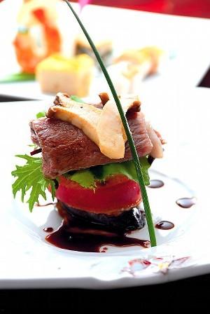 ステーキと地野菜の重ね焼