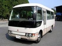 送迎用のマイクロバス