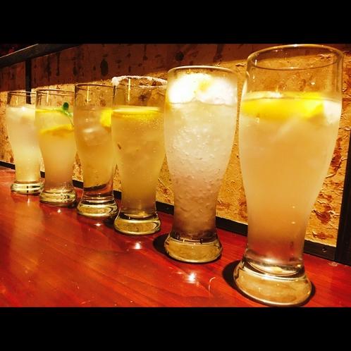 ジューシーなレモン果汁の酎ハイ