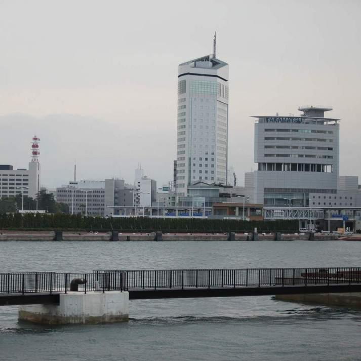 ホテル外観/瀬戸内海から