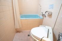 客室バスルーム一例(和室1〜3名様と和室1〜5名様のお部屋に付いております)