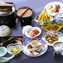 *【夕食例】11品程度の純和風のお食事をご用意いたします。