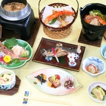 *【夕食例】地元産の食材を中心に使い、1品1品丁寧に仕上げています。