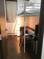 洋室102号室 ロフトベッド