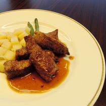 【夕食一例】独自のルートで仕入れる豊後牛のステーキ
