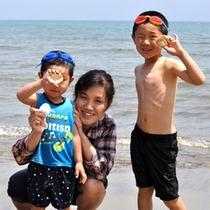 【海水浴】砂浜で拾った貝殻は夏休みの思い出に…