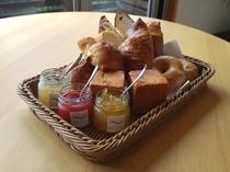 朝食のシェフ特製パン