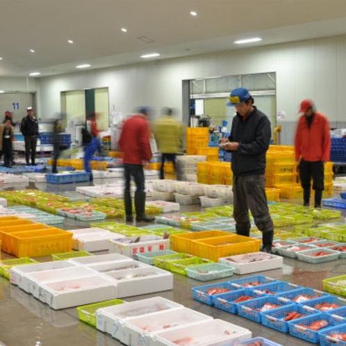 沼津魚市場にて。伊豆最高レベルの魚、旬の魚に徹底的にこだわります。