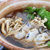 カキ鍋◆赤味噌で野菜と合わせた牡蠣鍋をどうぞ