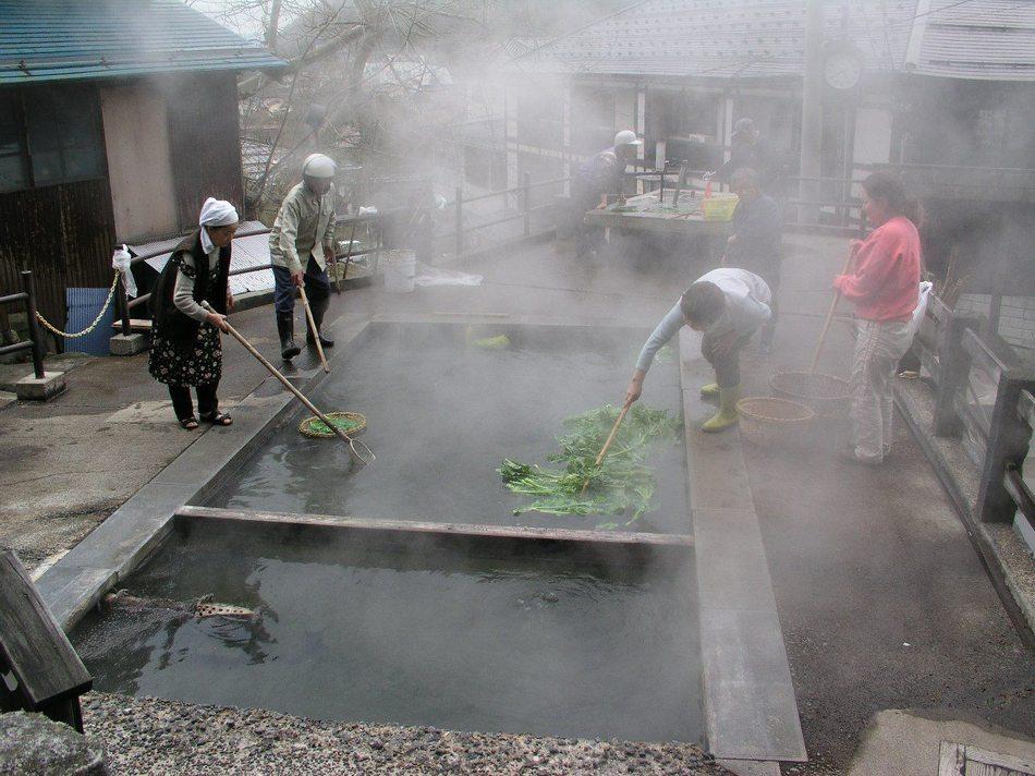 源泉麻釜(おがま)