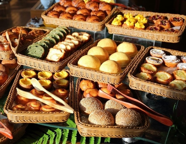 ayana朝食ブッフェ自家製パンイメージ