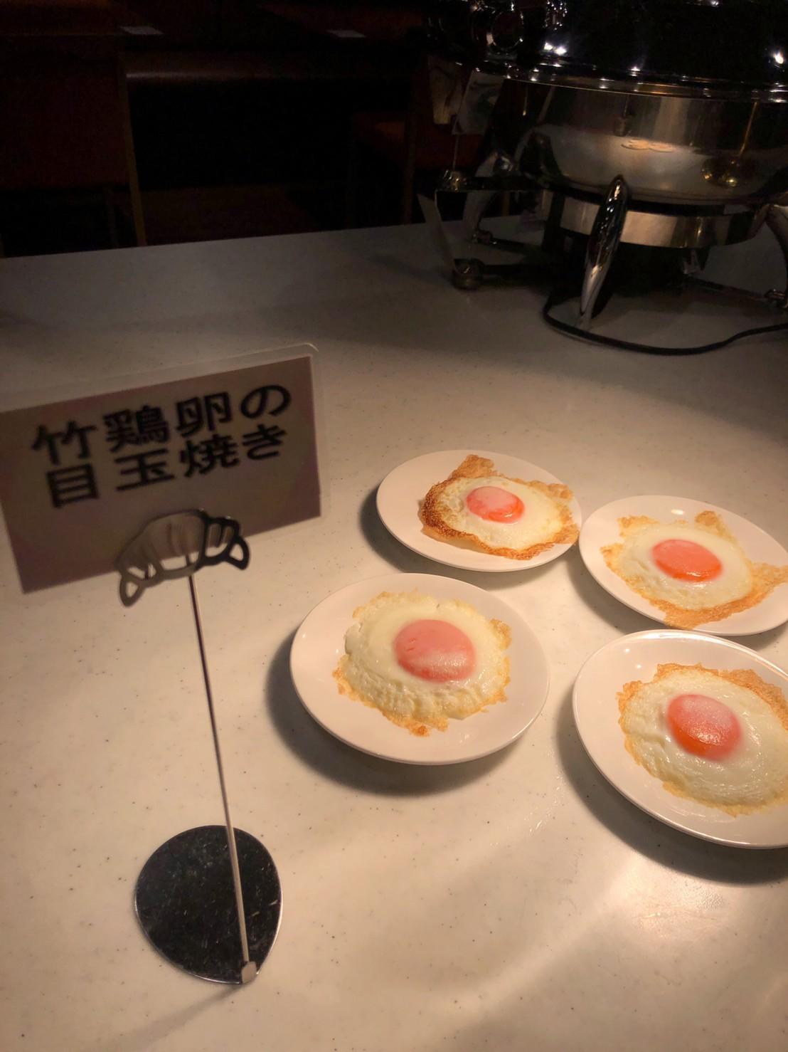 焼きたて目玉焼き こだわりの卵は竹鶴卵 味が濃いのが特徴です