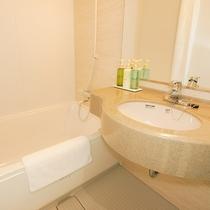 *客室一例/独立バスルームで1日の疲れをすっきり