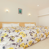 *客室一例/全室にクィーンサイズのベッド2台を設置!