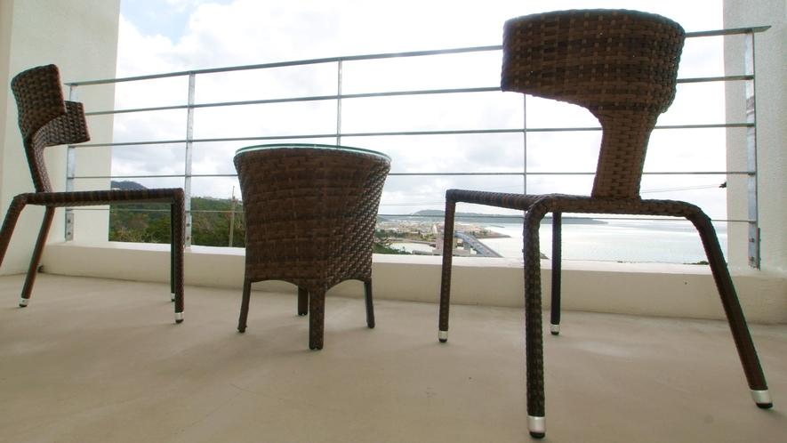 *客室バルコニー/ダイビング器材も置ける広いバルコニー
