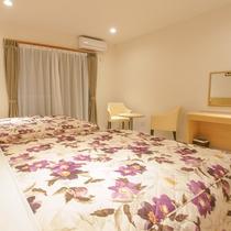 *客室一例/大きなベッドでぐっすりとお休みください