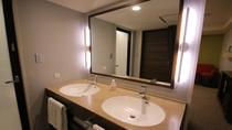 スーペリアツインルーム 最大ベッド4台 洗面2台