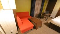 スーペリアツインルーム ソファー ※フロアによって形が異なります