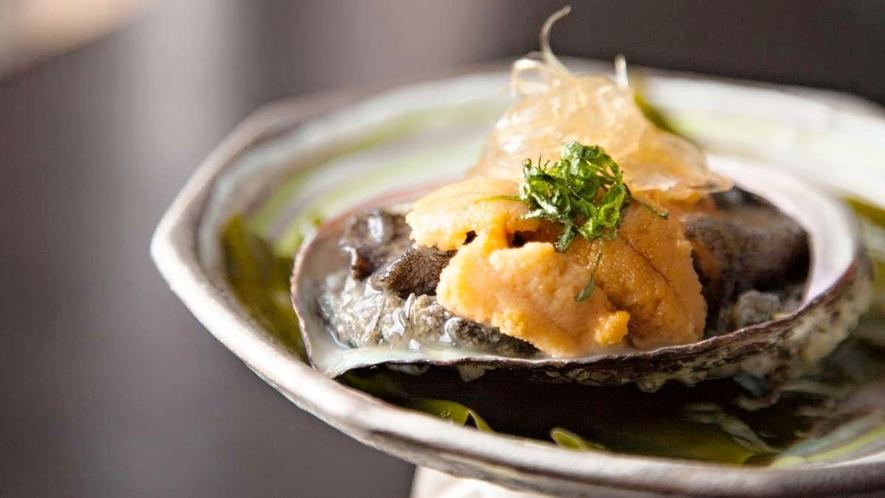 【ある日のお料理一例】田老産鮑のやわらか煮と宮古産フカヒレ、キタムラサキウニ