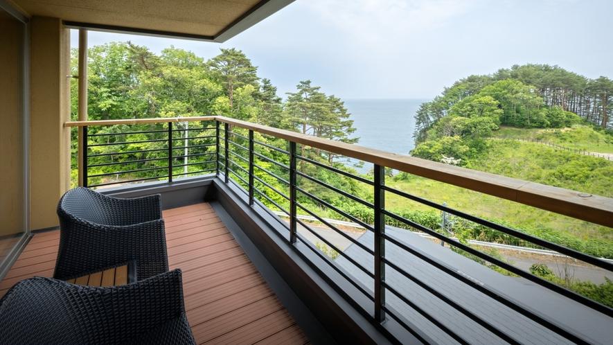 【次郎の庵3階イメージ】 お部屋から海の絶景を眺めながら寛ぎのひと時を。