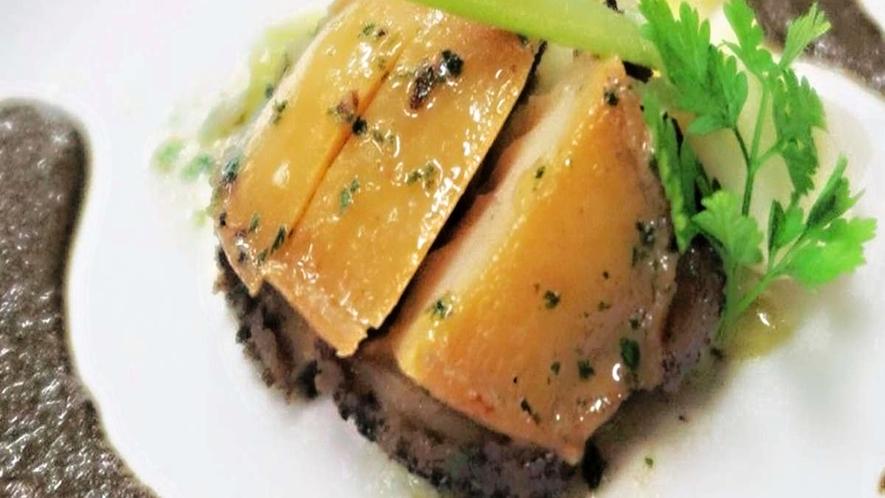 【ある日のお料理一例】鮑のステーキの肝ソース