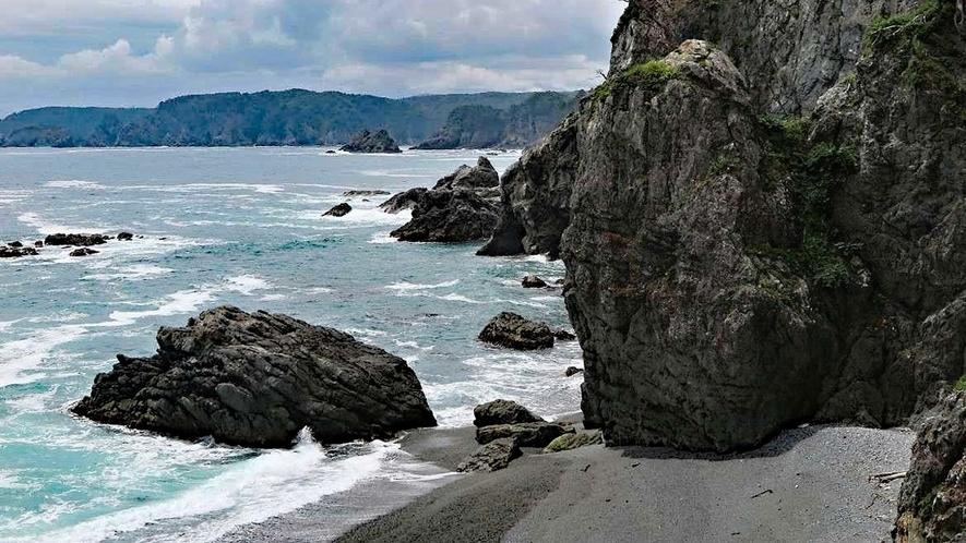 【真崎海岸】向こうの岸まで見えます。