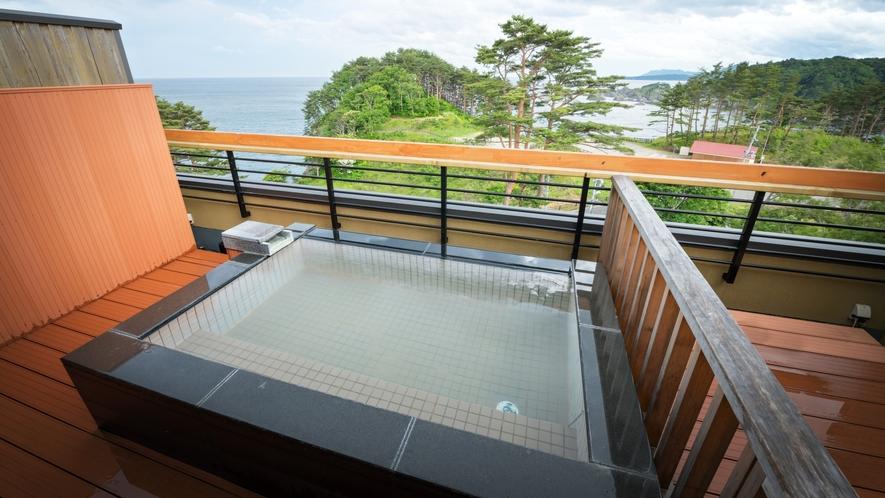 【貸切風呂】天望露天風呂・しぶき(冬季休止)/潮風を感じられる展望露天風呂です。※温泉ではありません