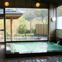 【暗門の湯】センターハウス併設の入浴施設は夜9時まで利用可能です。