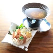 蟹料理(かにすき小鍋の一例です)