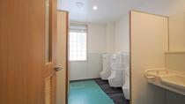 【館内設備】1階:共同トイレ(男性用)
