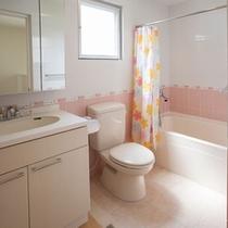 広々バスルーム トイレは3カ所あります