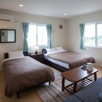 1階 主賓室 (寝室は4つ、10名様宿泊可)