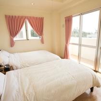 ベッドルーム(ツインルーム)  3階には寝室が2部屋