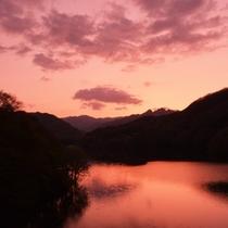 川俣湖の夕暮れ