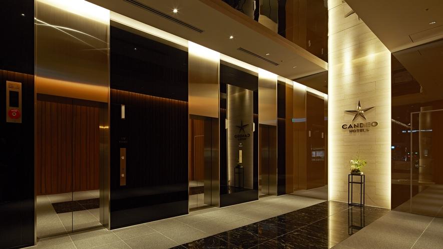 エレベーターホール1F