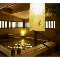 【大浴場】木の温もりで癒されます