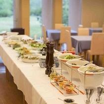 ビュッフェスタイルの朝食(7:00~9:00)