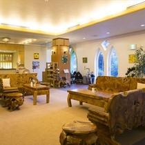 ◆バリの家具で揃えたロビー