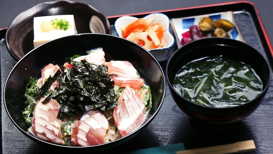 ◆まかない丼は居料理やの人気ランキング第2位!それだけ美味しいってことです♪